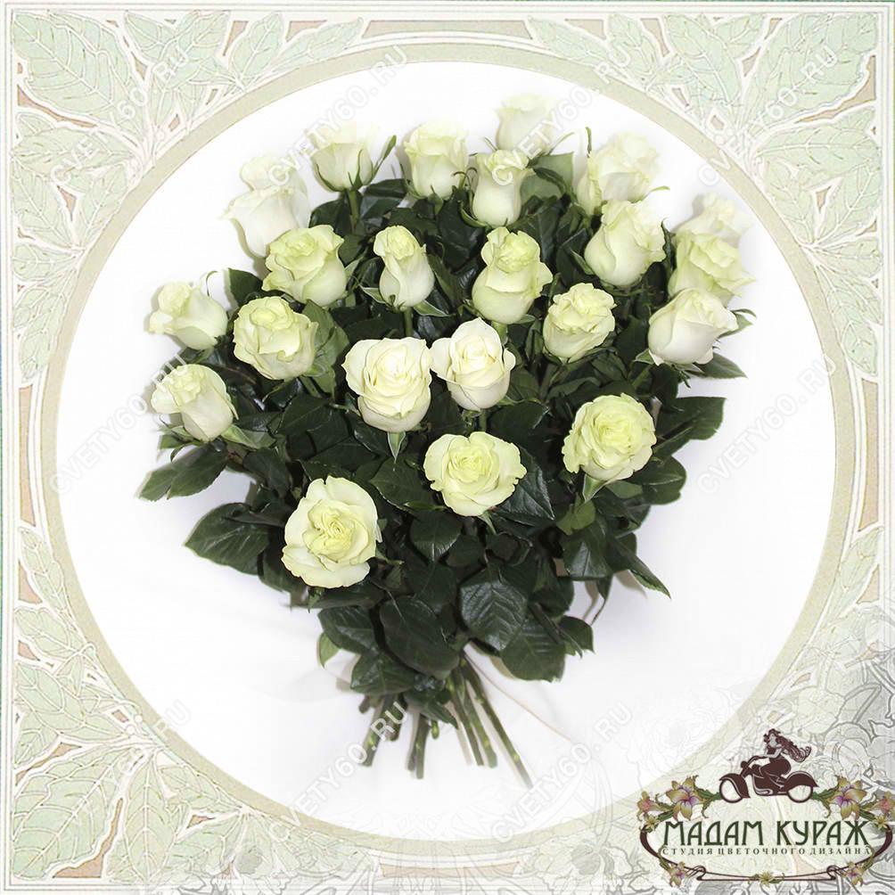 Букет из 25 белых роз в Пскове Открытка