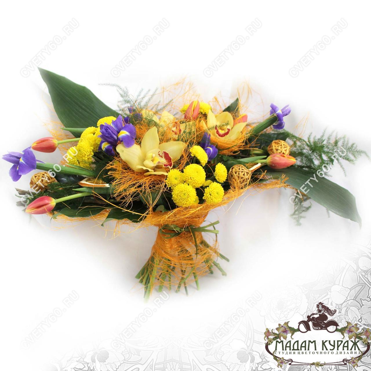 Букет из орхидей, ирисов и тюльпанов в Пскове