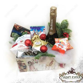 Оформление новогоднего сладкого подарка в Пскове