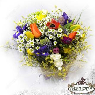 Милый весенний букет в Пскове