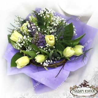 Букет из гиацинтов и тюльпанов в Пскове в Пскове