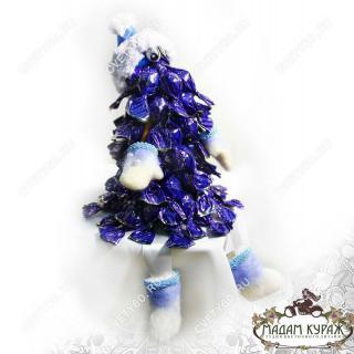 Новогодний сувенир - елочка из конфетПсков