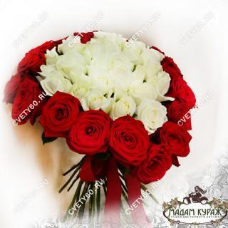 Букет- сердце из роз к Дню ВлюбленныхПсков