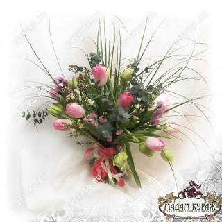 Нежный букет из тюльпанов к 8 мартаПсков