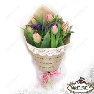 Недорогой букет из тюльпанов с доставкой по ПсковуПсков