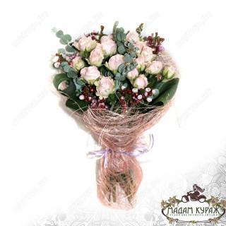 Букет из кустовой розы в Пскове