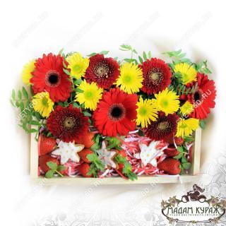 Ягодно-цветочная композиция с доставкой в Пскове