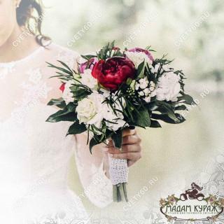 Букет невесты из пионов в Пскове