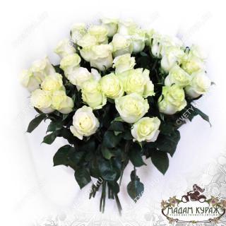 Букет из 25 белых роз в Пскове дешево в Пскове