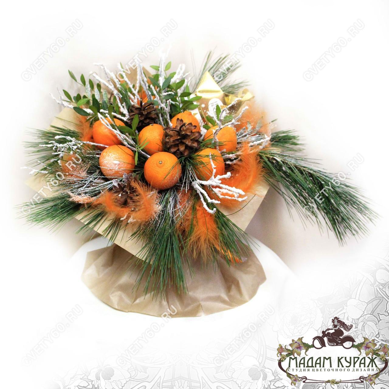 Новогодний букет из фруктов в Пскове
