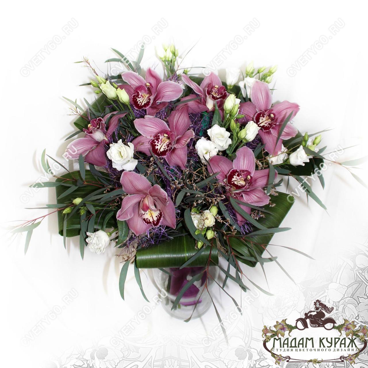 Букет из орхидей в Пскове