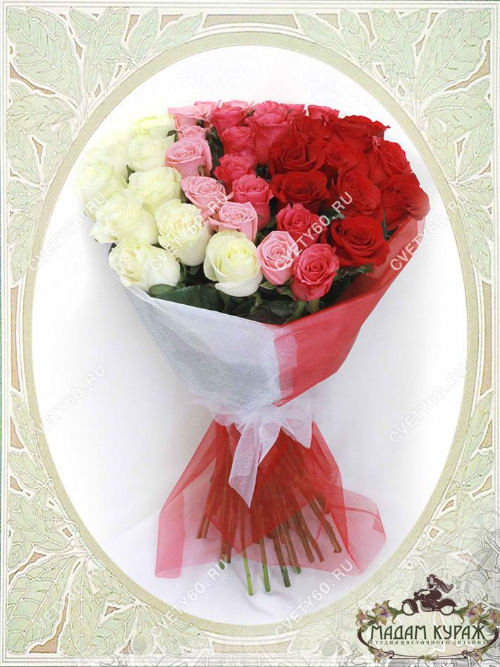 Большой букет роз в Пскове Открытка