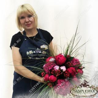 Букет из пионов и гортензий заказ в интернет магазине cvety60.ru Псков