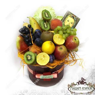 Композиция из фруктов в круглой коробке в ПсковеПсков