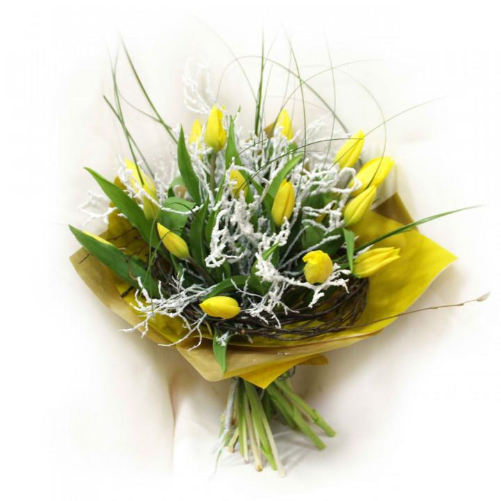 Новогодний букет тюльпанов в Пскове
