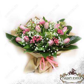 Нежный букет из тюльпанов в Пскове