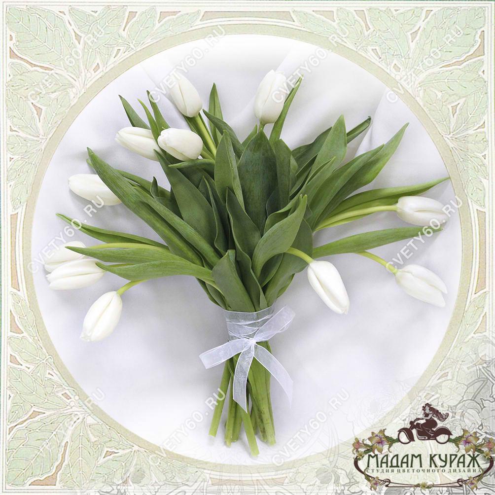 Тюльпаны на 8 марта в Пскове Открытка