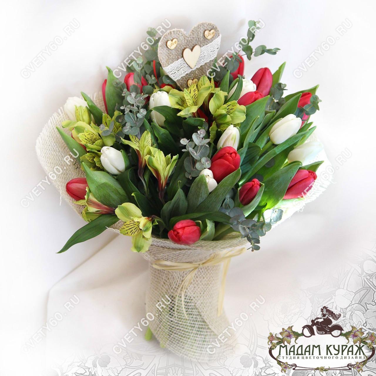 Тюльпаны в Пскове