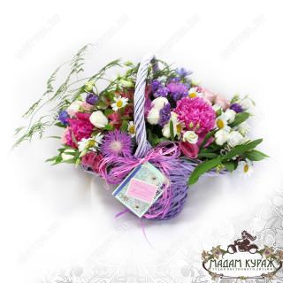 Корзина летних цветов в Пскове в Пскове