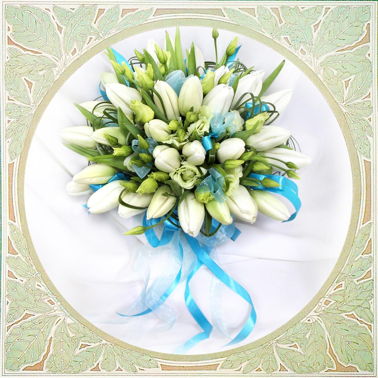 Букет невесты из белых тюльпанов с доставкой в Пскове Открытка