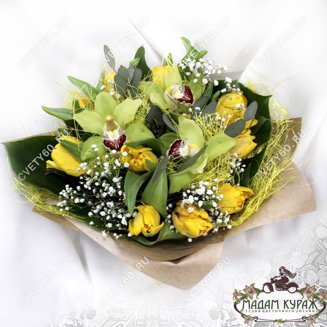 Букет с орхидеями и тюльпанами в Пскове
