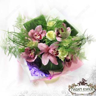 Изящный букетик из орхидей в Пскове
