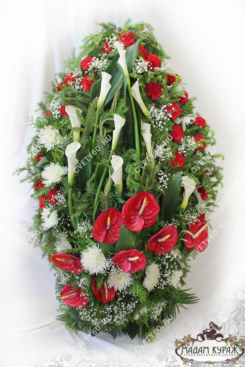 Венок для возложения из живых цветов в Пскове