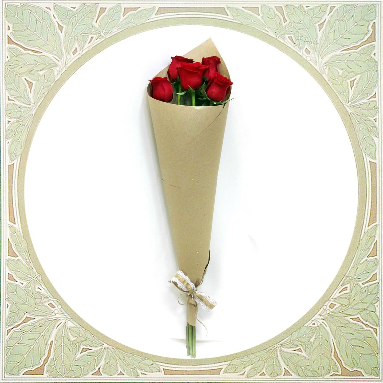 Букет из 5 красных роз в Пскове Открытка