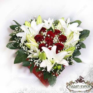 Композиция из роз и лилий с доставкой в Пскове