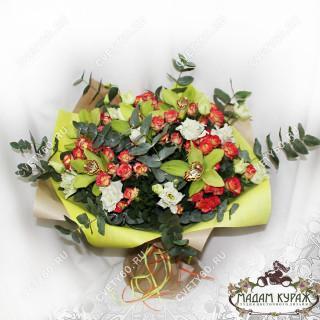 Большой букет с розами и орхидеями для женщины в подарокПсков