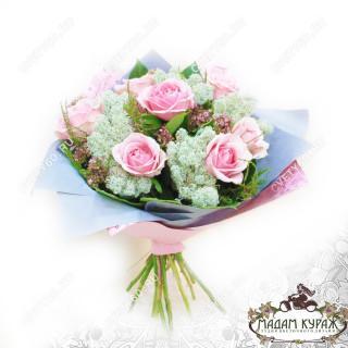 Миниатюрный букетик из роз с доставкой