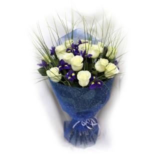 Букет из белых роз в Пскове