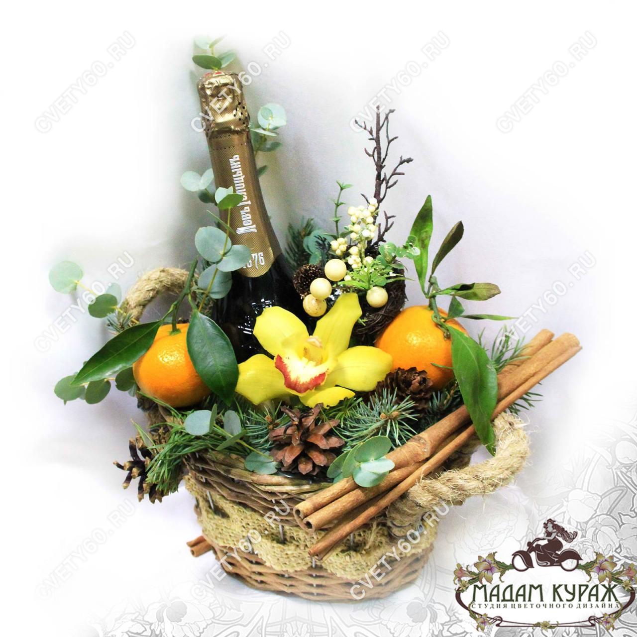 Новогоднее  поздравление в Пскове