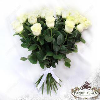 Белые розы с доставкой в Пскове в Пскове