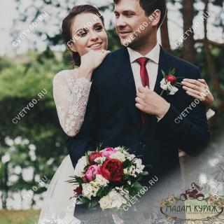 Бутоньерки и оформление свадьбы в Пскове