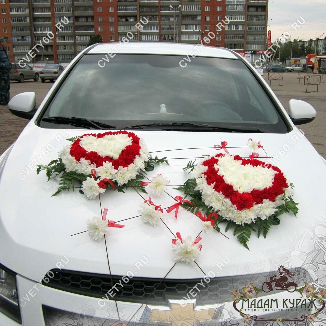 Оформление свадебной машины в Пскове