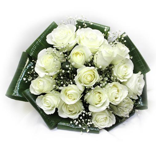 Букет из белых роз с доставкой по Пскову и области.