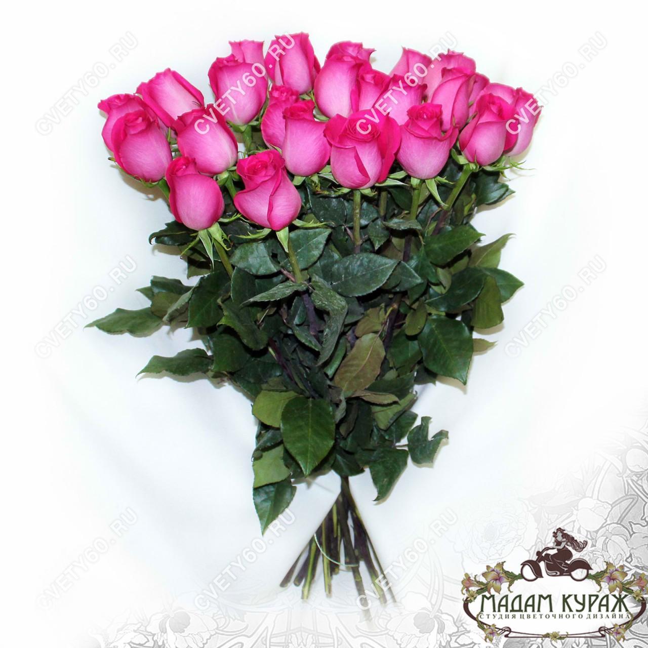 25 розовых роз дешево в Пскове