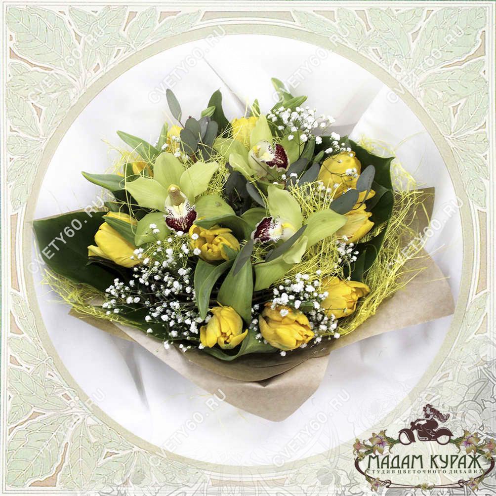 Букет с орхидеями и тюльпанами в Пскове Открытка