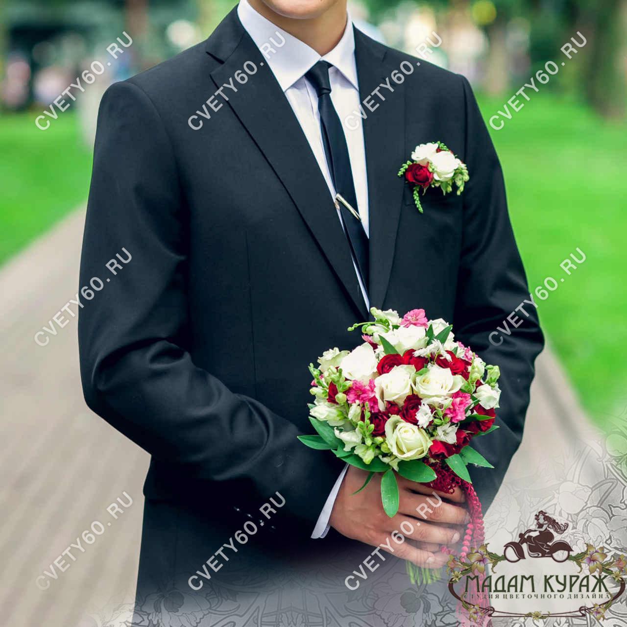 Бутоньерка для жениха и букет невесты