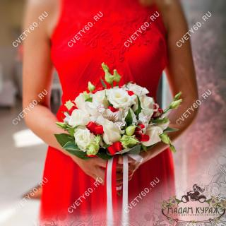 Заказать свадебный букет в Пскове