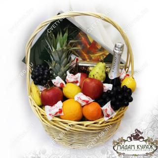 Корзина с фруктами в Пскове с доставкойПсков