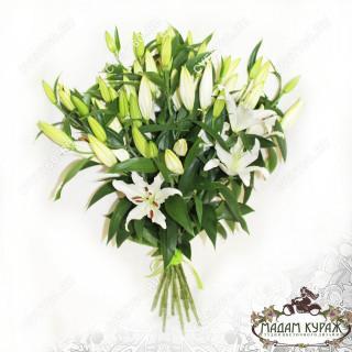 Ароматные белые лилии