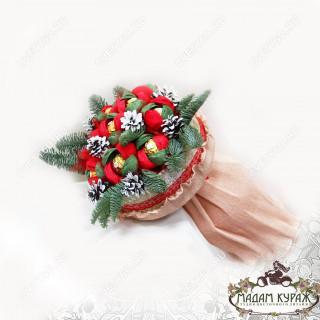 Новогодний букет из конфетПсков