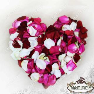 Лепестки роз на свадьбу в Пскове