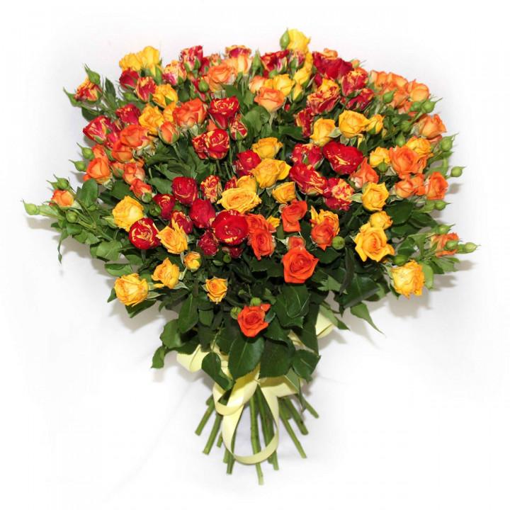 Кустовые розы с доставкой в Пскове