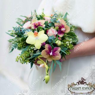 Букет невесты из фаленопсисов в Пскове