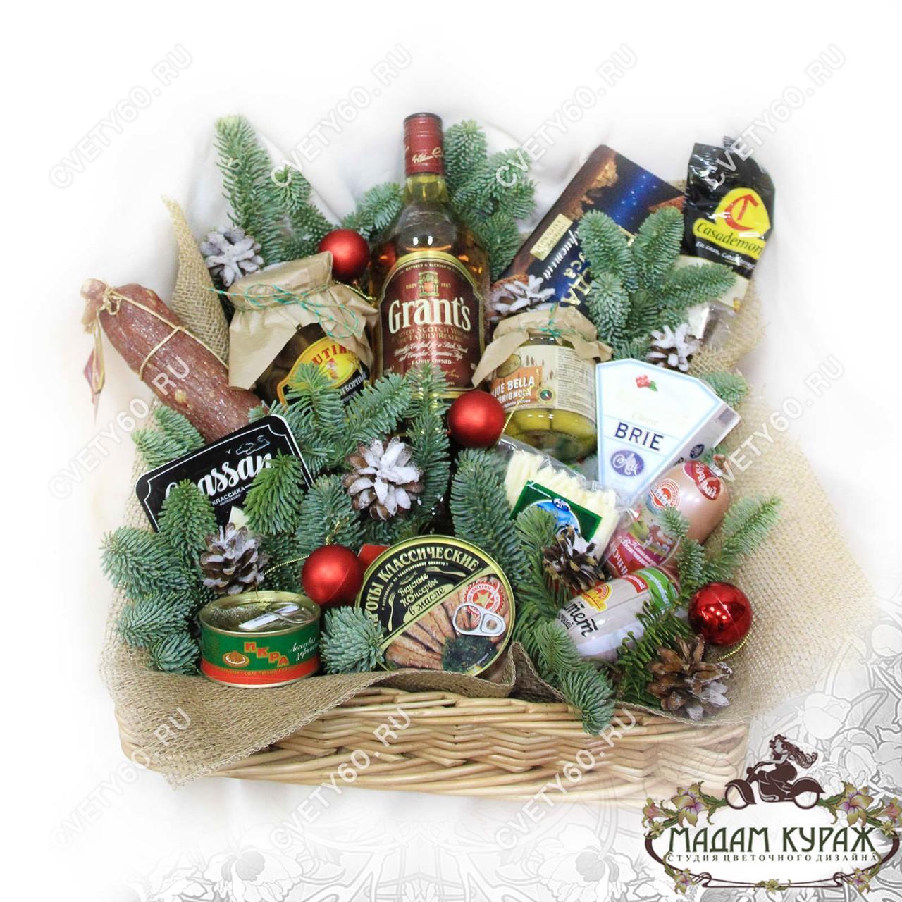 Продуктовая корзина в подарок на Новый Год в Пскове
