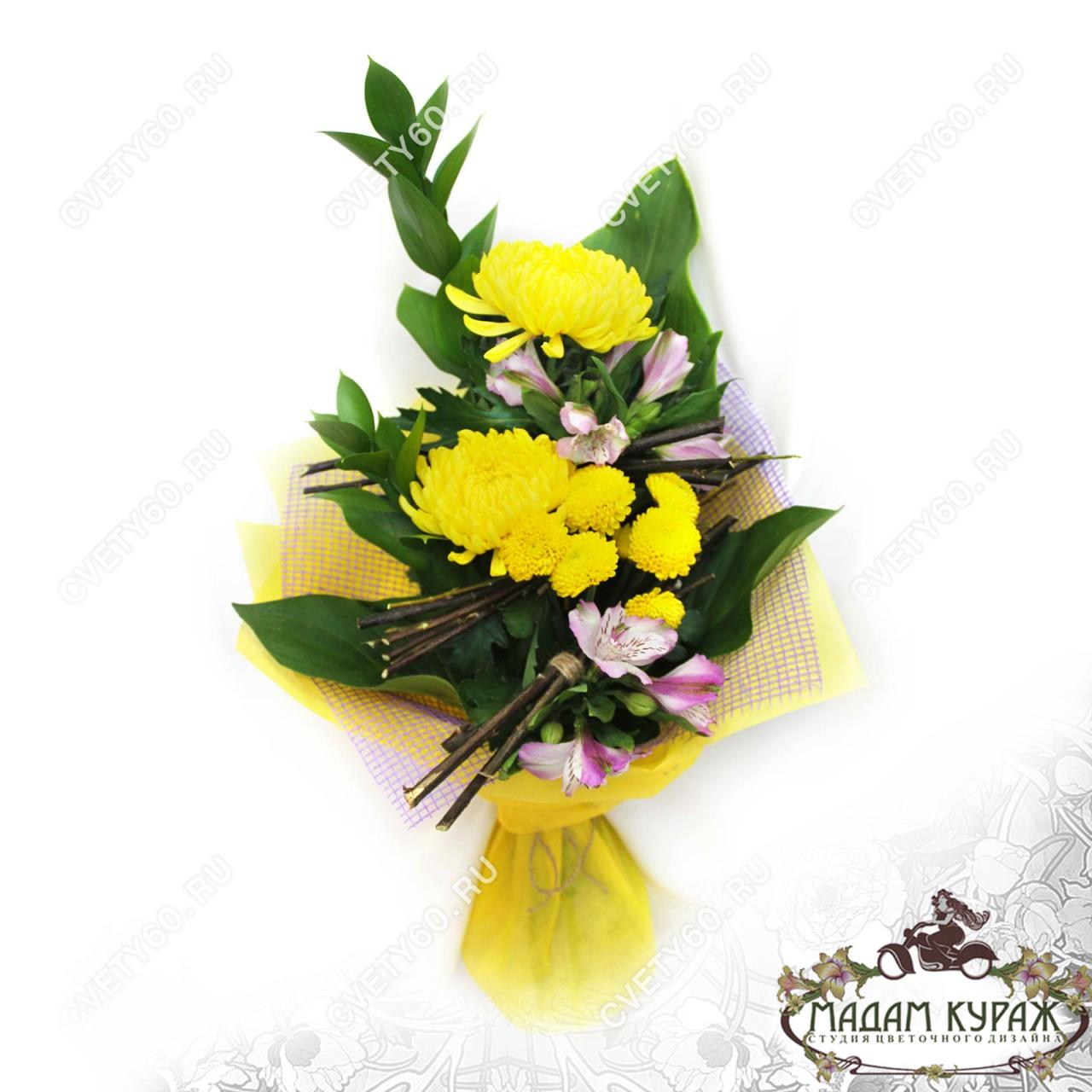 Букет из хризантемы и альстромерии в Пскове