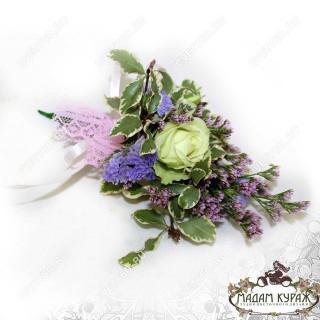 Бутоньерка для жениха и свадебное оформление в Пскове